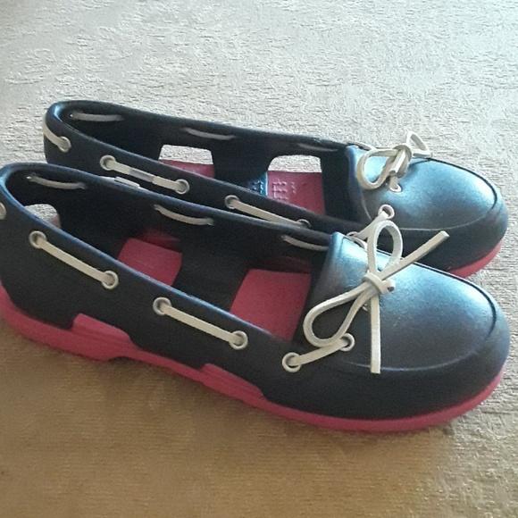 d1f6f8f9b9 CROCS Shoes - Crocs boat shoes size 7